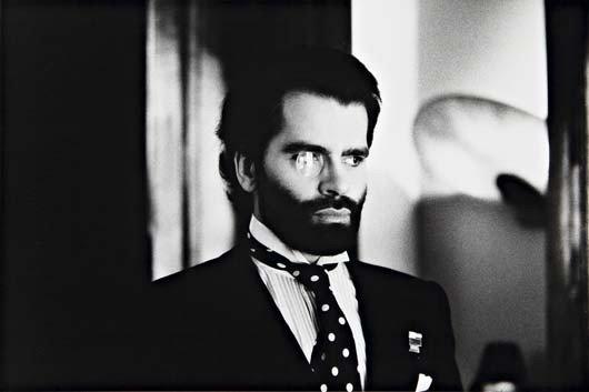 12: HELMUT NEWTON Karl Lagerfeld, Paris, 1973