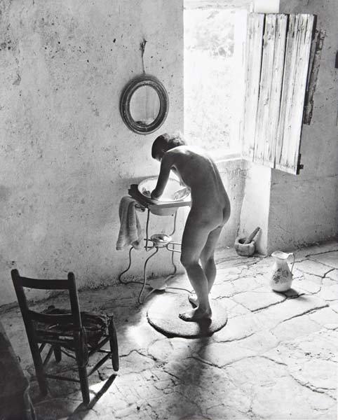 23: WILLY RONIS Le nu provençal, Gordes, 1949
