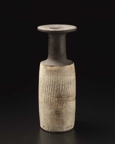 4: HANS COPER, Early bottle with dotted pattern, ca.195