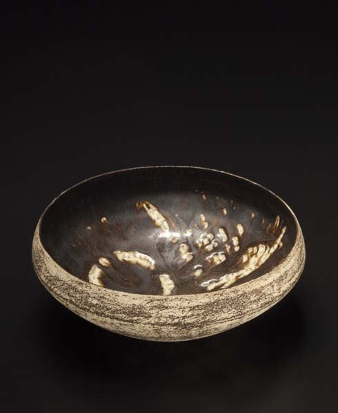 5: HANS COPER, Early bowl with abstract bird design, ca