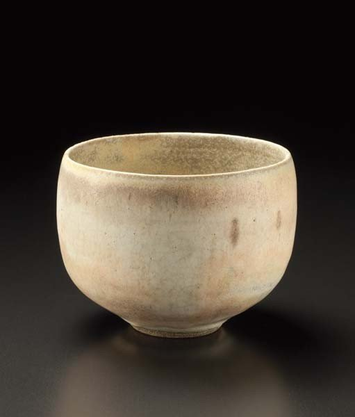 7: LUCIE RIE, Small rounded bowl, ca. 1968