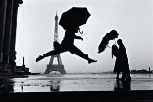 11: ELLIOTT ERWITT,  Paris, 1989