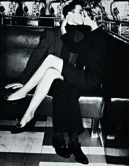 15: ALBERT WATSON,  The Kiss, Paris, 1988