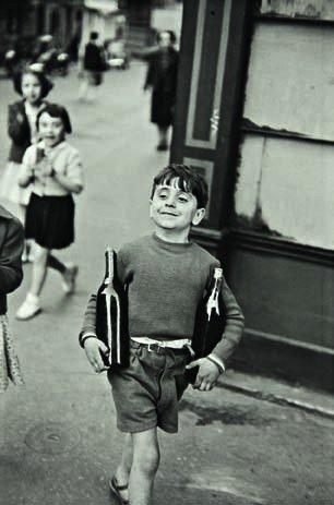 16: HENRI CARTIER-BRESSON,  Rue Mouffetard, Paris, 1954