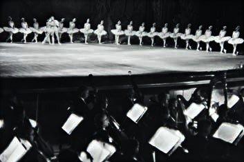 17: HENRI CARTIER-BRESSON,  Swan Lake, Bolshoi Theatre,