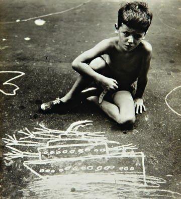 205: HELEN LEVITT, Graffiti Artist, N.Y.C., 1940