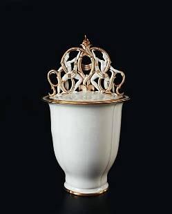 2: GIO PONTI, Large covered vase, ca. 1928