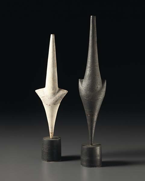 "13: HANS COPER, Rare white ""Cycladic"" arrow form, ca. 1"