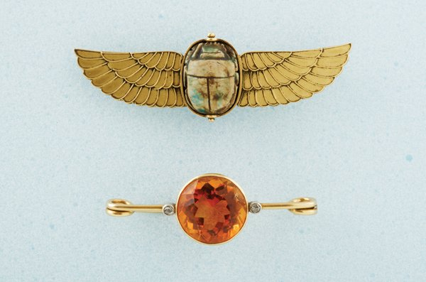 13:  A Small Collection of Late 19th Century Jewellery