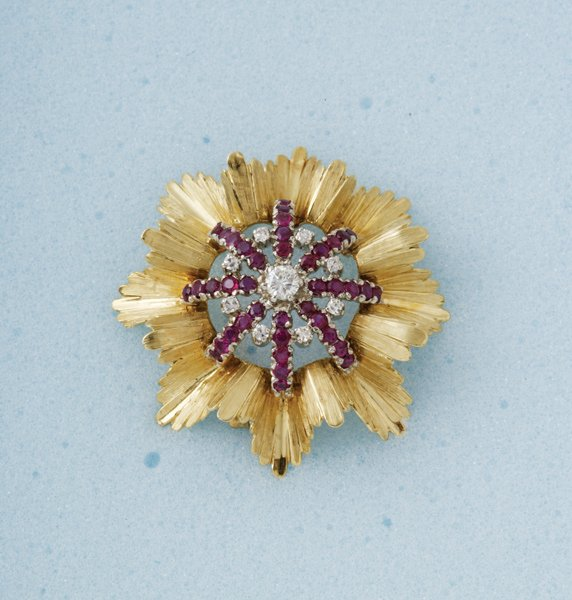 21:  An 18 ct Yellow Gold, Ruby and Diamond–Set C