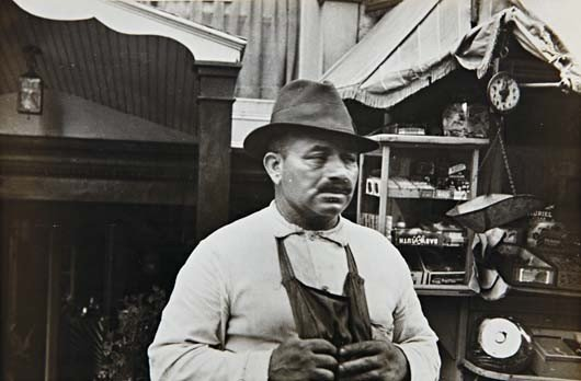 18: BEN SHAHN, Untitled (Greenwich Village, New York Ci