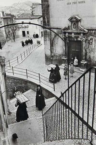 46: HENRI CARTIER-BRESSON, L'Aquila degli Abruzzi, Ital