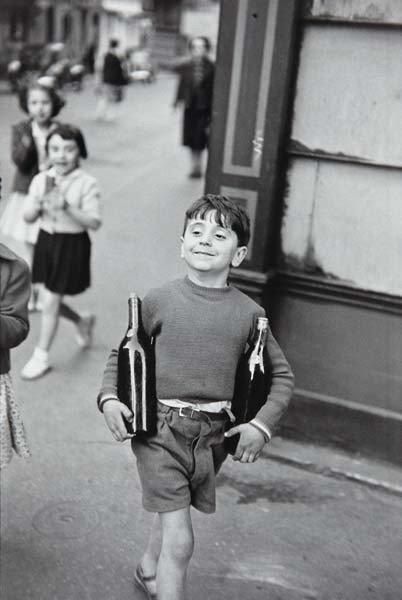 49: HENRI CARTIER-BRESSON, Rue Mouffetard, Paris, 1954