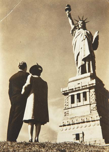 52: LOU STOUMEN, Looking at the Statue of Liberty, 1939