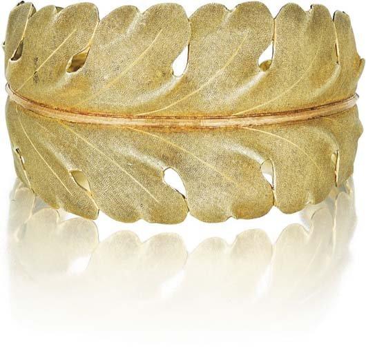2: BUCCELLATI, A Gold Cuff Bracelet.