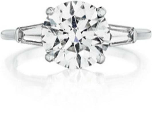 122: TIFFANY & CO., A Diamond Ring.
