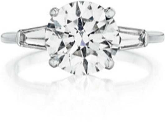 122: TIFFANY & CO., A Diamond Ring.