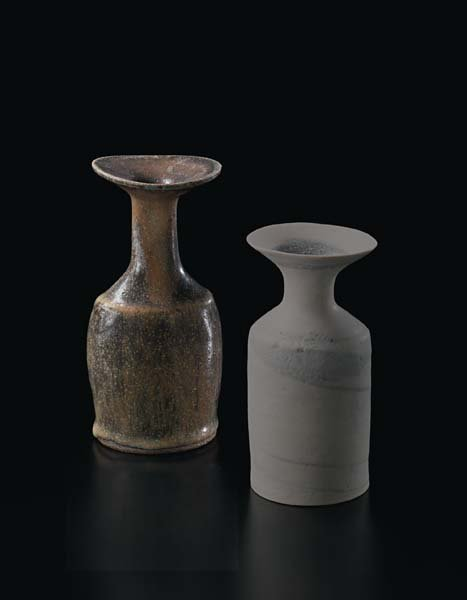 20: LUCIE RIE, Small vase, circa 1974