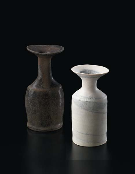 21: LUCIE RIE, Small vase with flaring lip, 1972