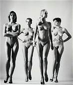 1: HELMUT NEWTON, Sie Kommen (Naked), Paris, 1981