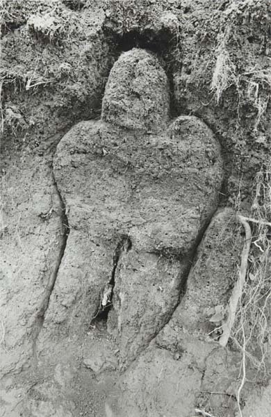 40: ANA MENDIETA, Untitled, 1981