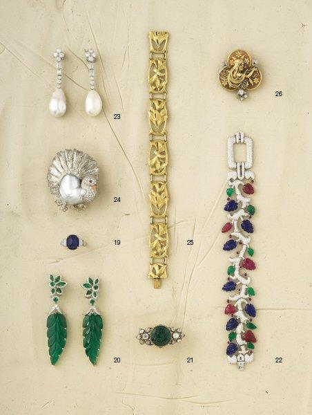20:        A Pair of Emerald and Diamond Ear Pendants