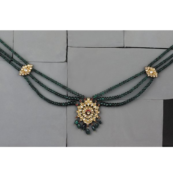 15:        A Modern Indian Emerald and Diamond Necklace