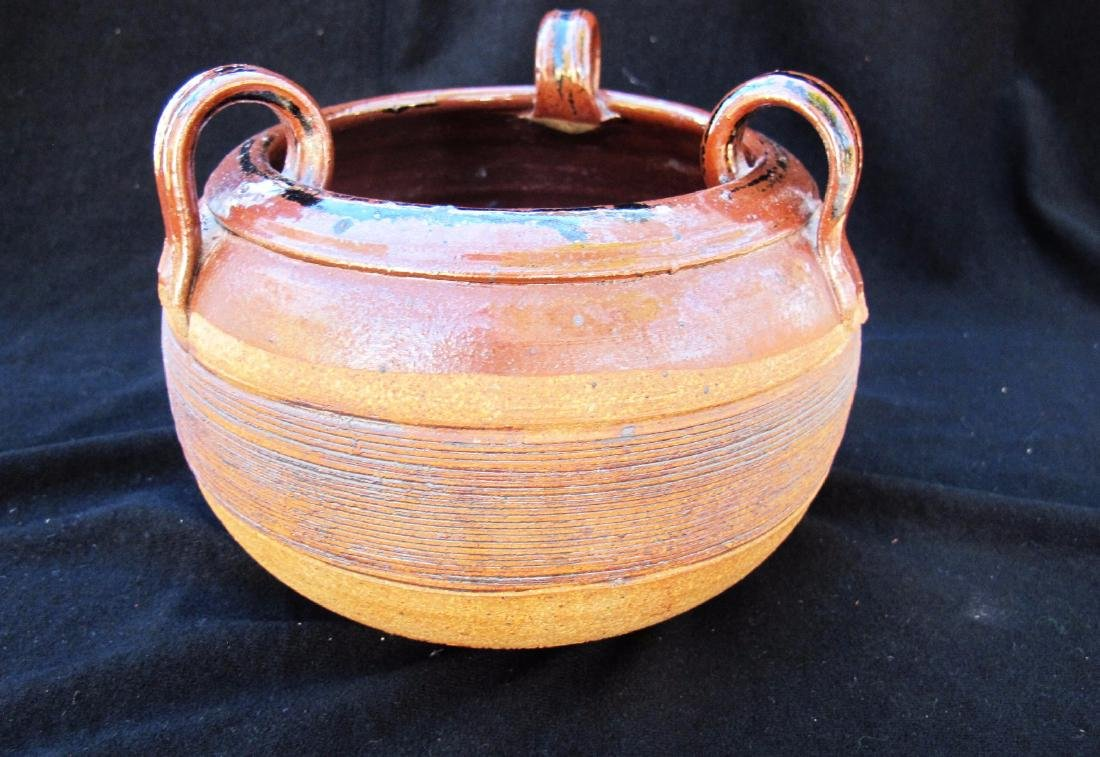 pot with 3 handles - 2