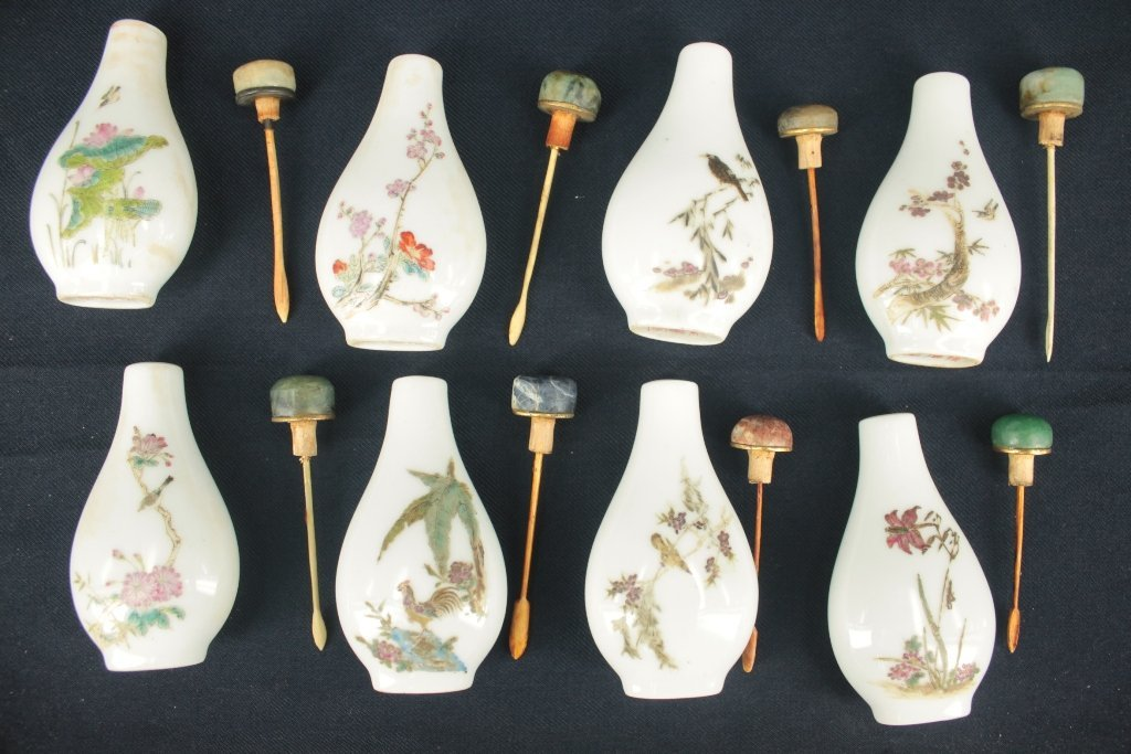 Lot of 8 hand painted famille-rose snuff bottles