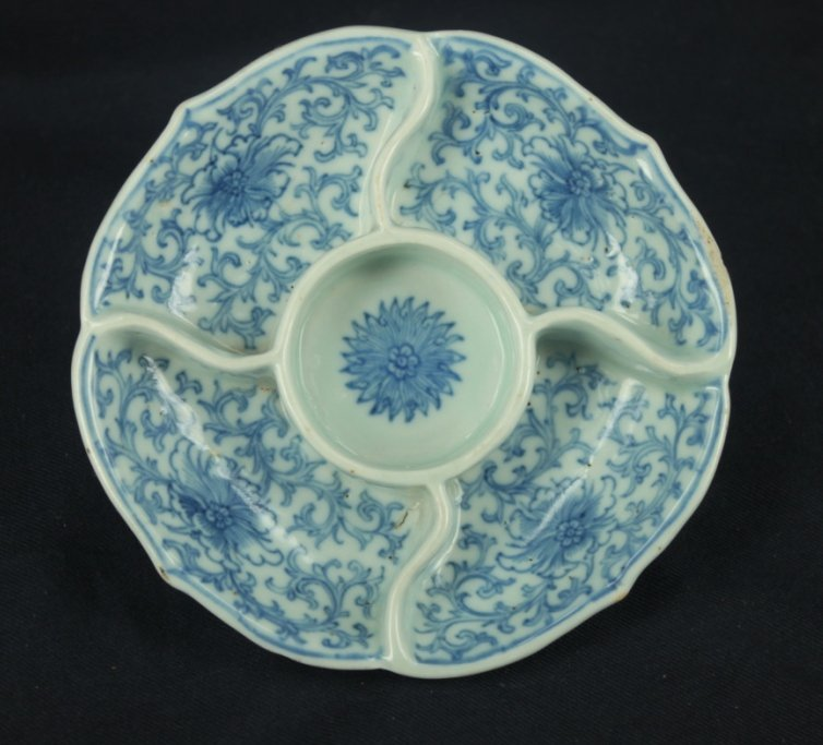 Antique blue and white 5-sections plate with marks on