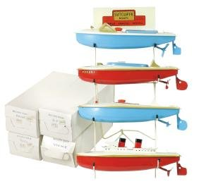 Toy boats on display stand (4), Sutcliffe speedboats &