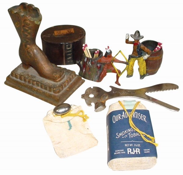 763: Smoking items (7); hand made leather snuff box, un