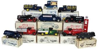 Automotive banks & gas pump (12), Scale Models banks,