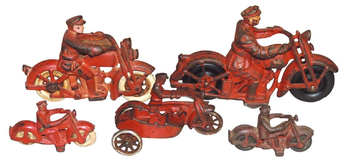 Toy motorcycles (5), Harley Davidson & others, cast