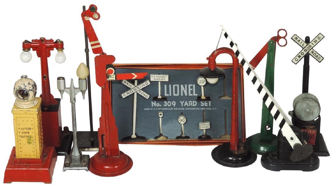 Toy train catalogs & accessories (16), Lionel '48, '49