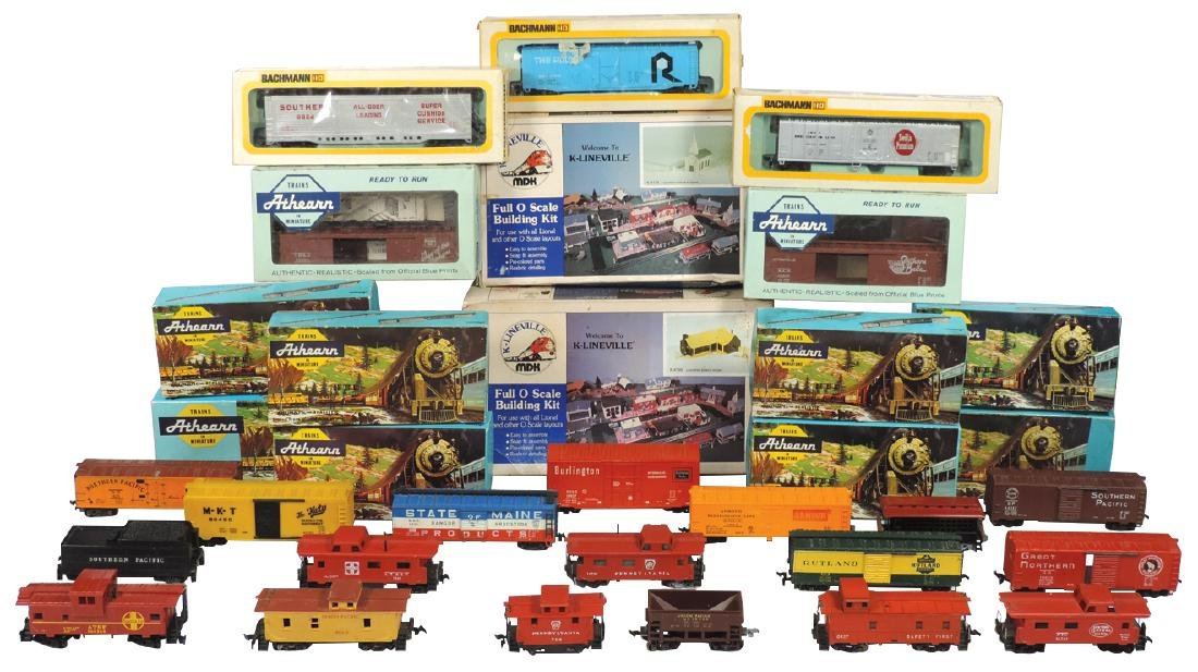 Toy train cars & accessories (43 pcs), includes