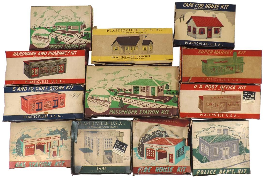 Toy train accessories (12), Plasticville U.S.A.