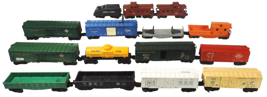 Toy train cars (15), Lionel Lines, all plastic cars,