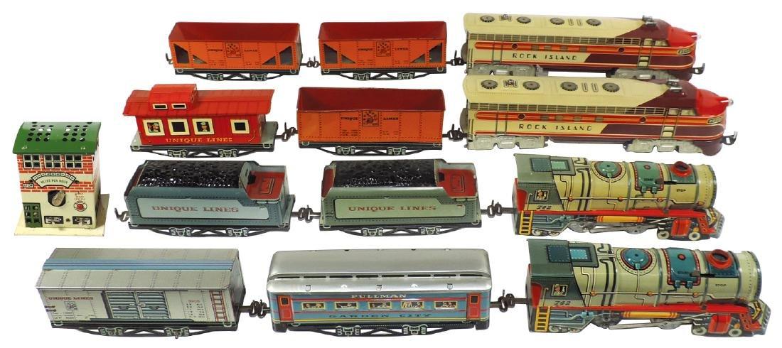 Toy trains & control tower (13 pcs), Unique Art loco
