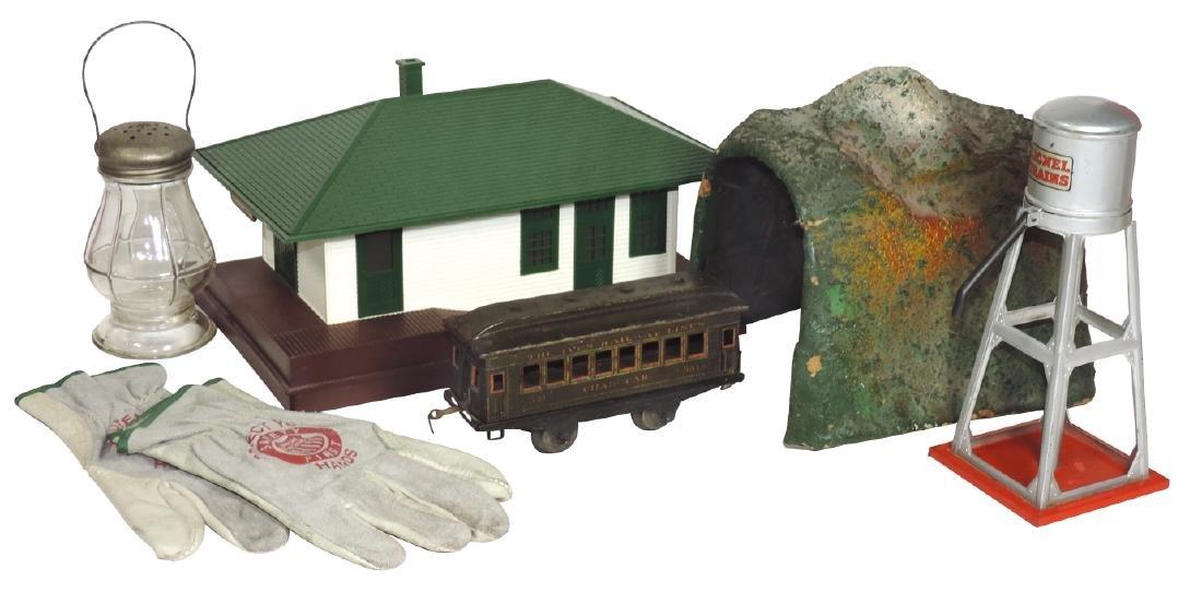 Toy train accessories, etc. (6), includes; Lionel Train