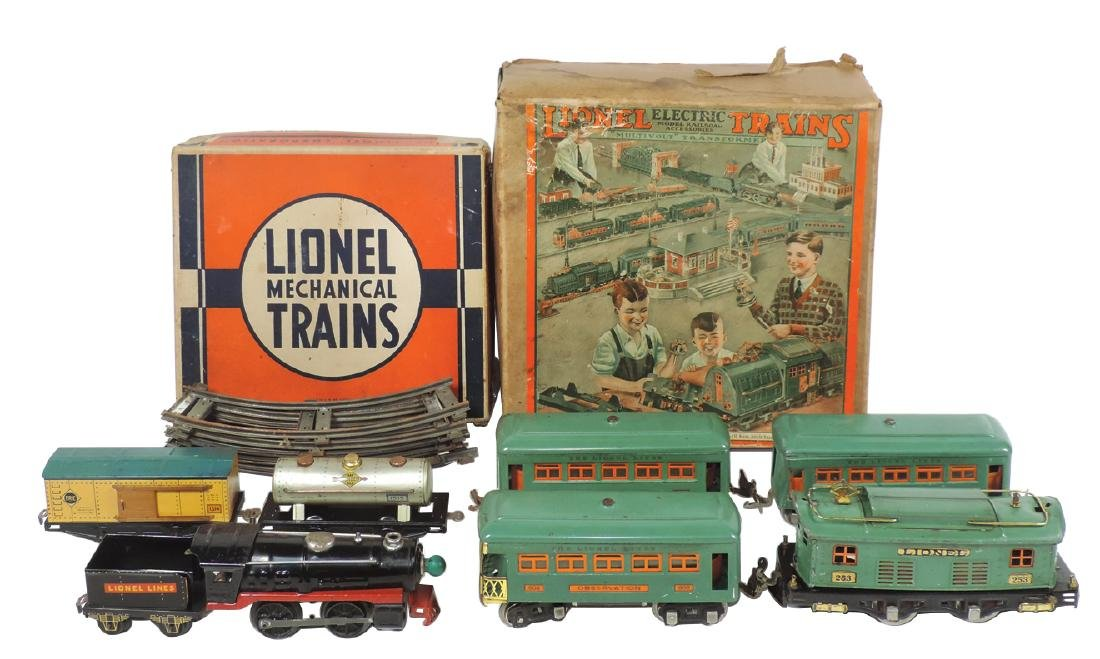 Toy trains (2), Lionel, No. 1531 Mechanical Freight