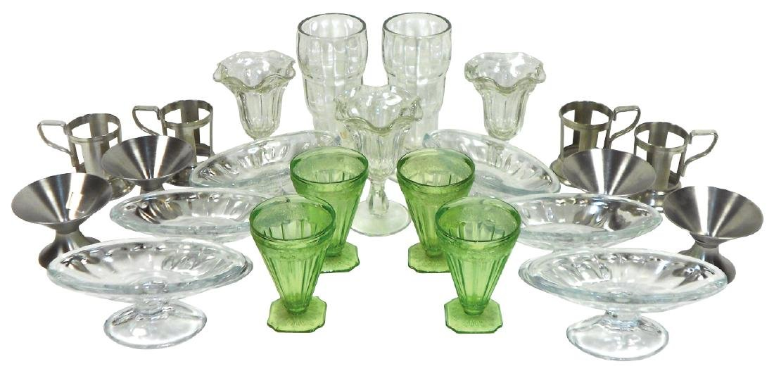 Soda fountain glassware (23), includes 4 green