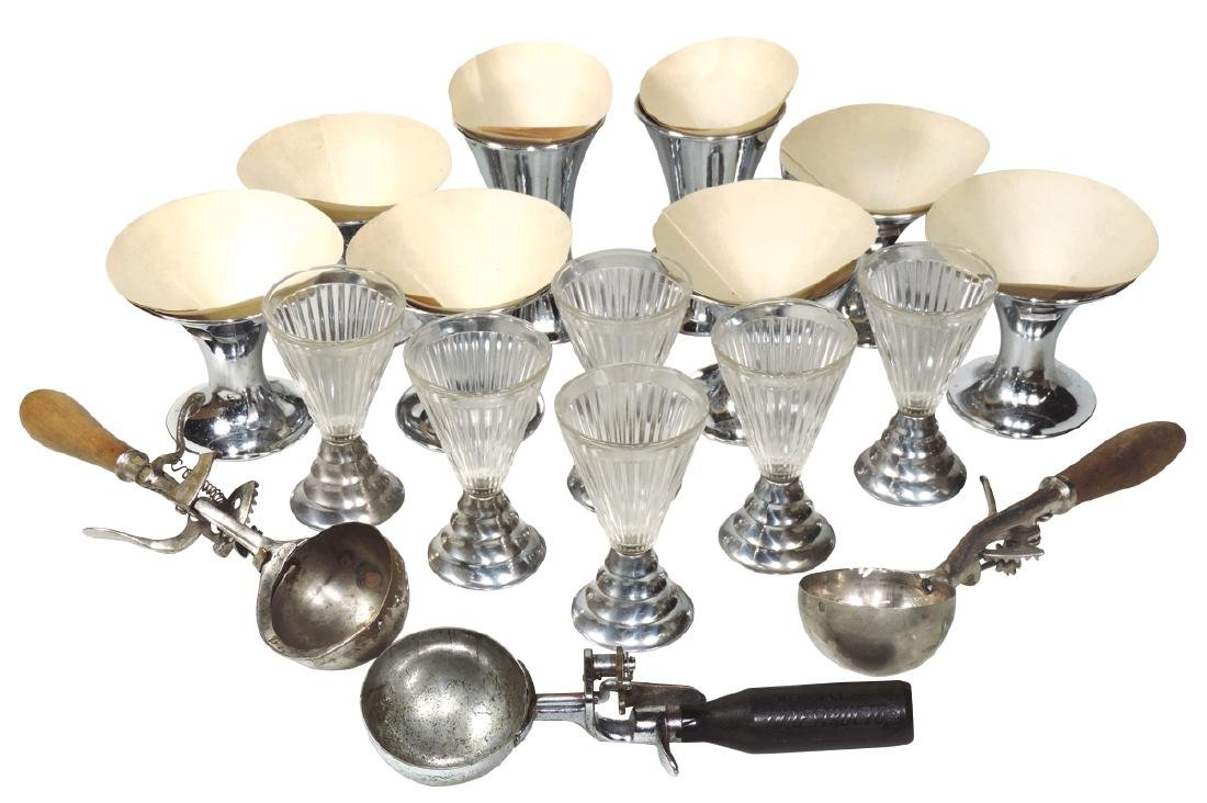 Soda fountain dishes & ice cream dippers (17 items), 6