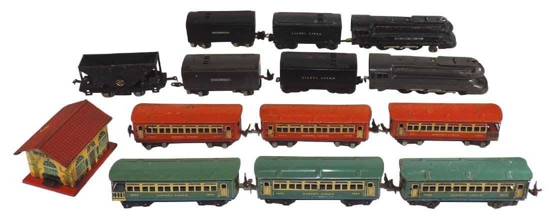 Toy trains & station (14 pcs), Lionel, includes 1668E