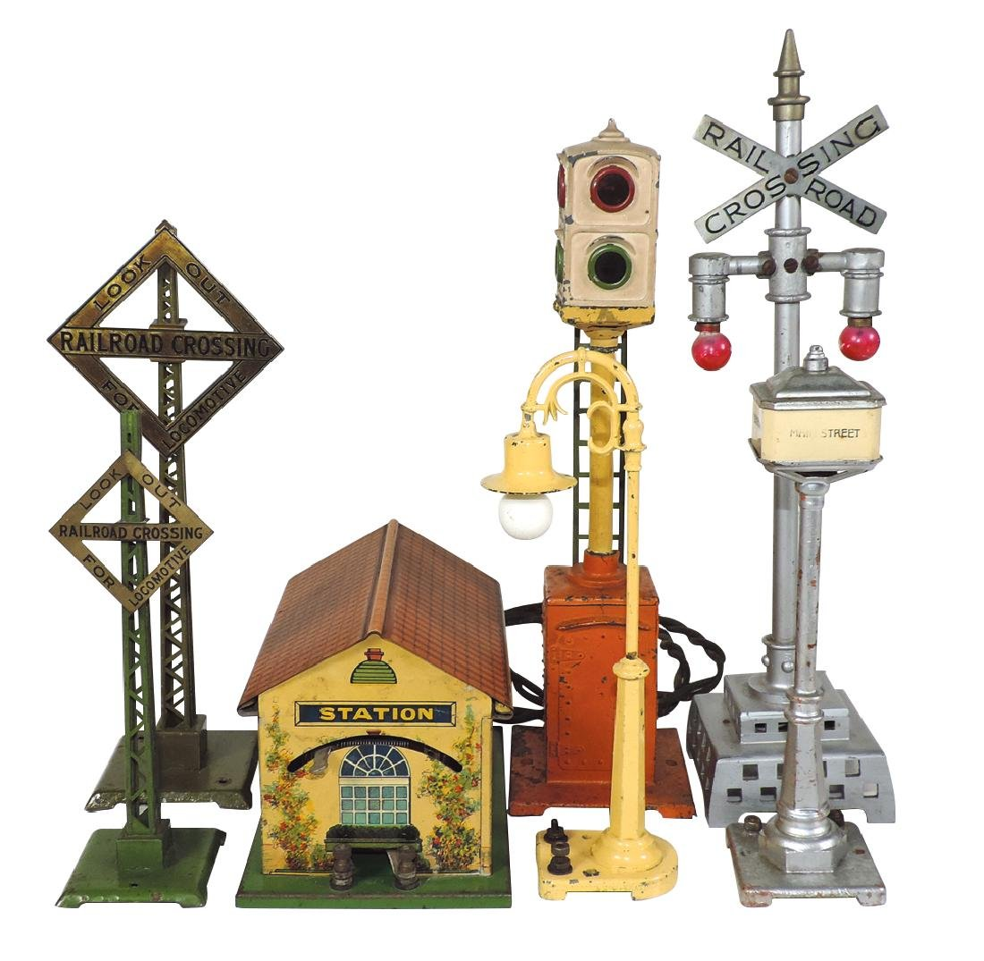 Toy train accessories (7), Lionel #078 power station,
