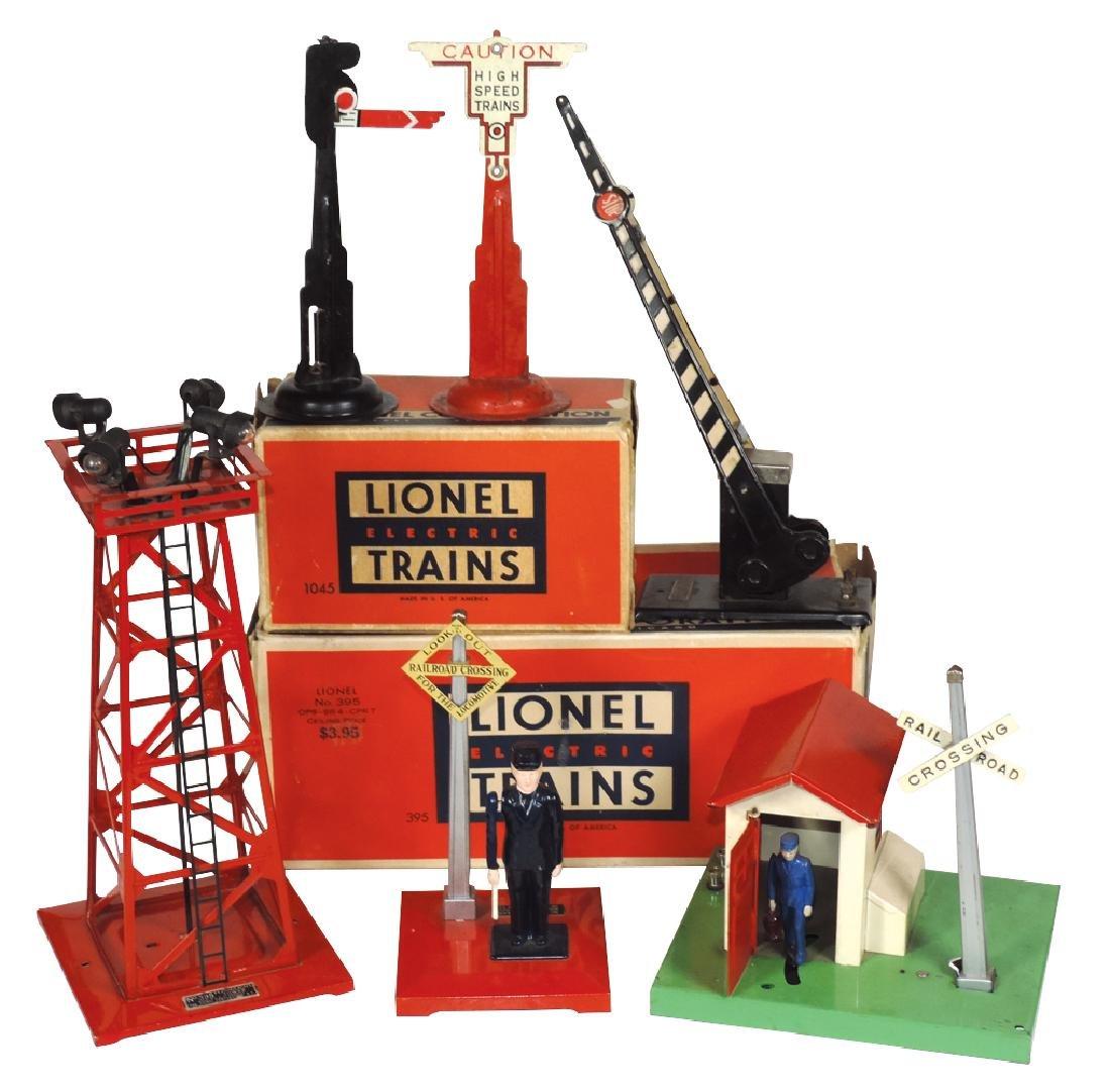 Toy train accessories (6), Lionel No. 395 Floodlight