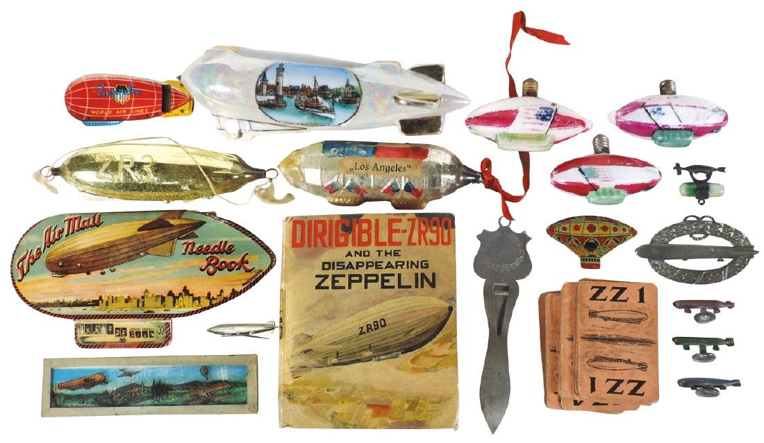 Toy zeppelin smalls (15), includes pin, Christmas