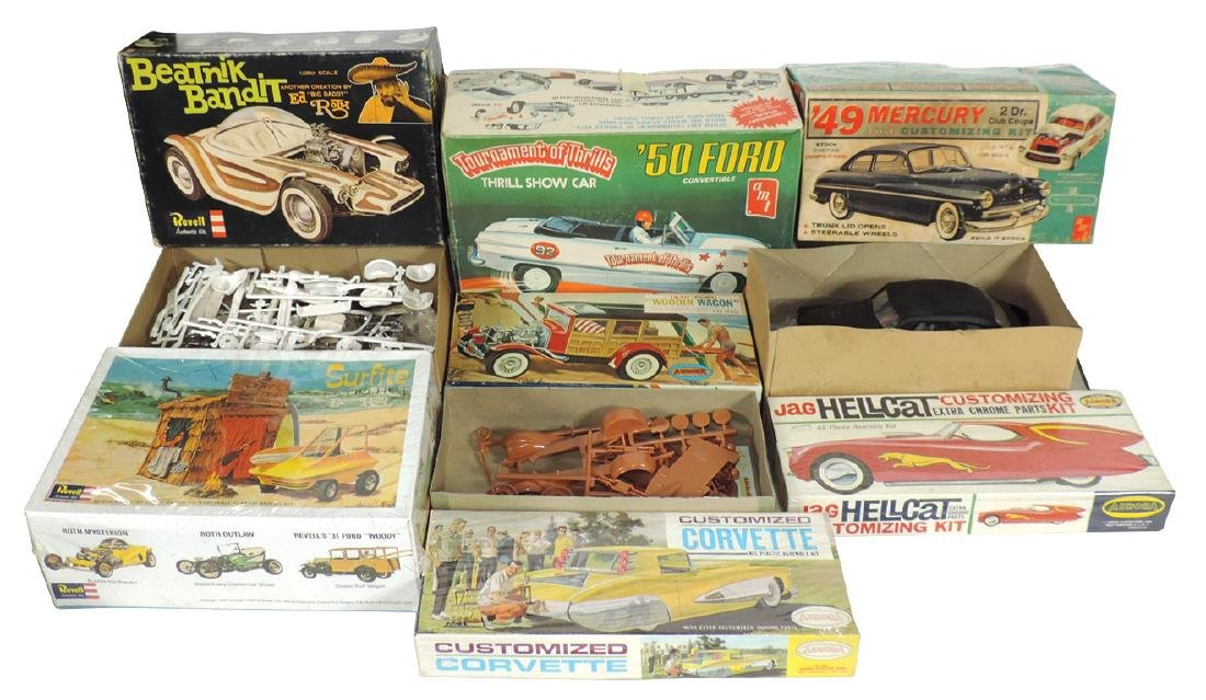 Toy model car kits (7), unassembled in boxes, amt '50