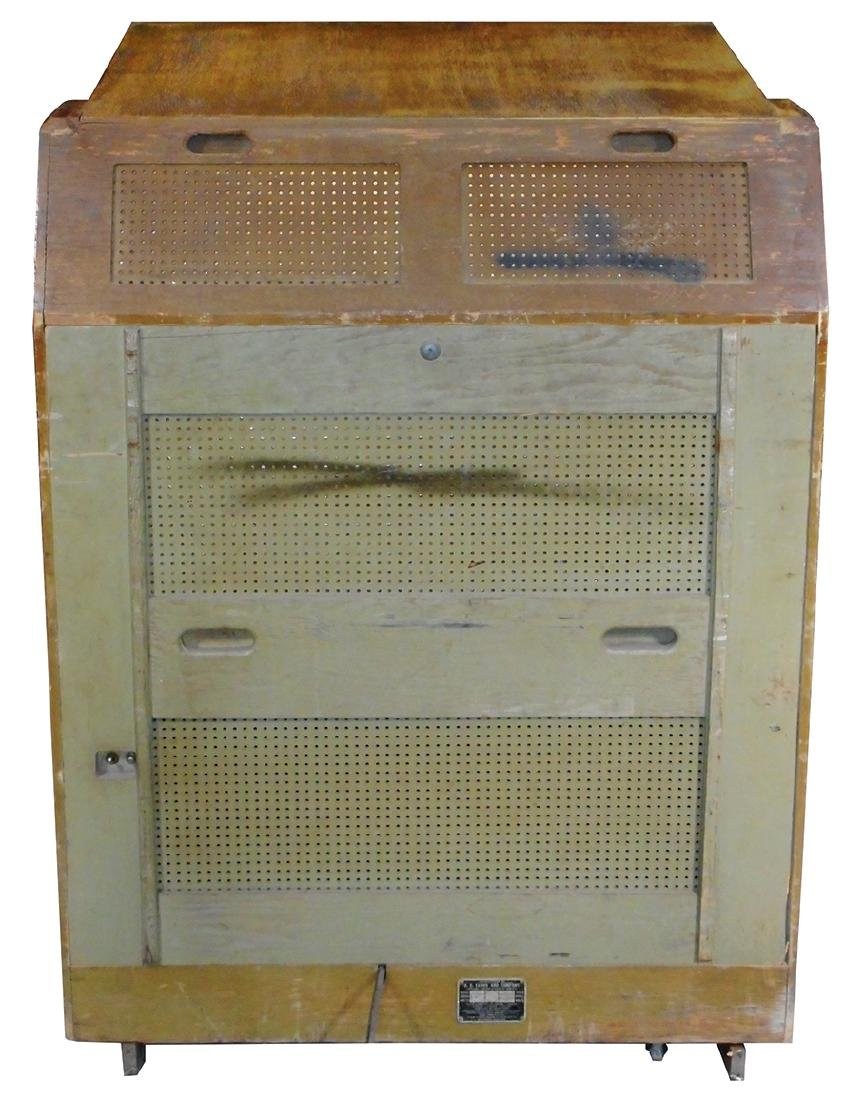 "Coin-operated jukebox, H.C. Evans ""Holiday"", Model 4045 - 4"