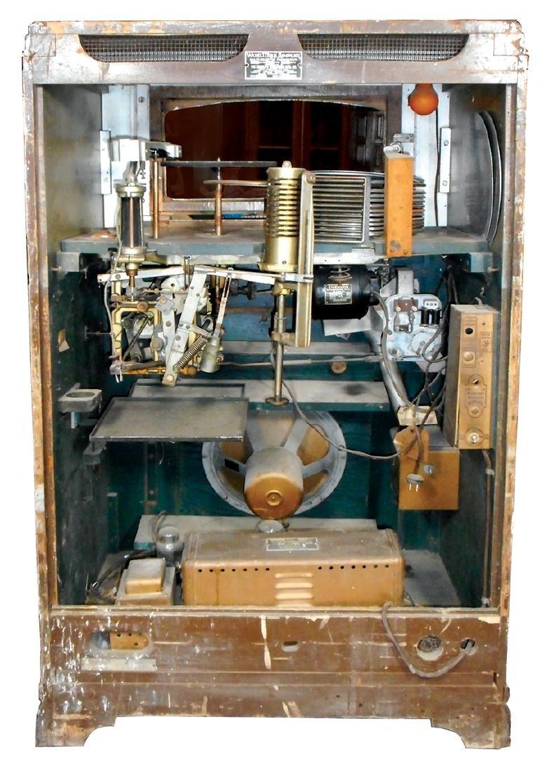 Coin-operated jukebox, Wurlitzer 412 w/aftermarket - 4